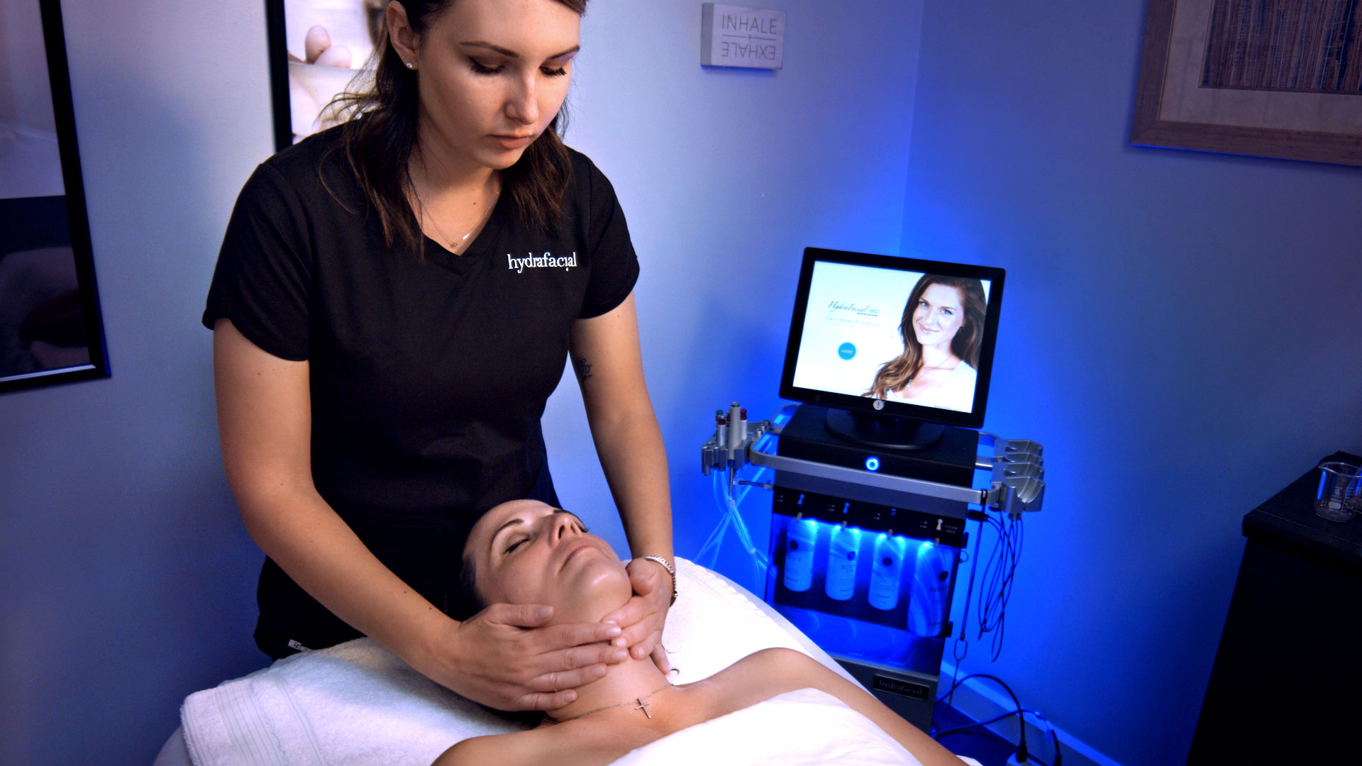 HydraFacial Treatment Photo. Photography Services by Redmonkie.