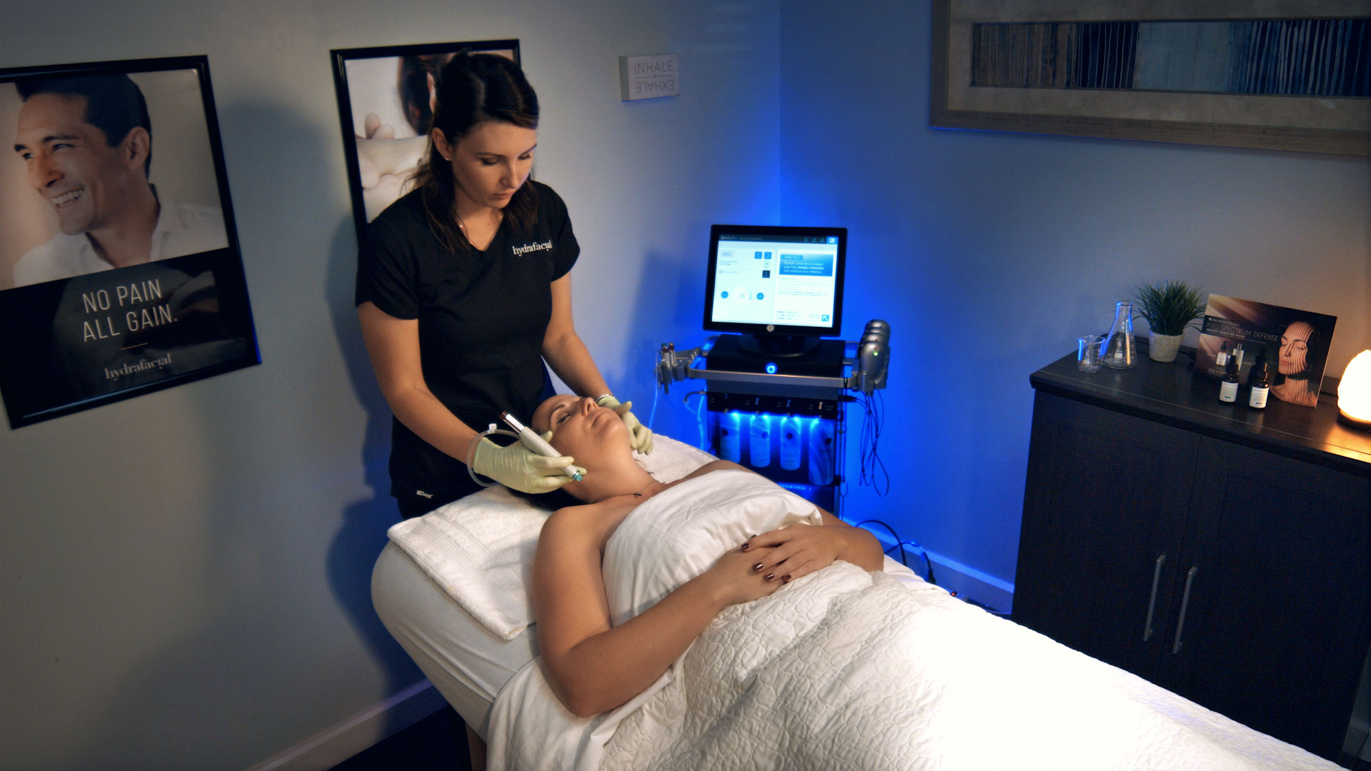 Commercial Photography of HydraFacial Treatment for Riverchase Dermatology.