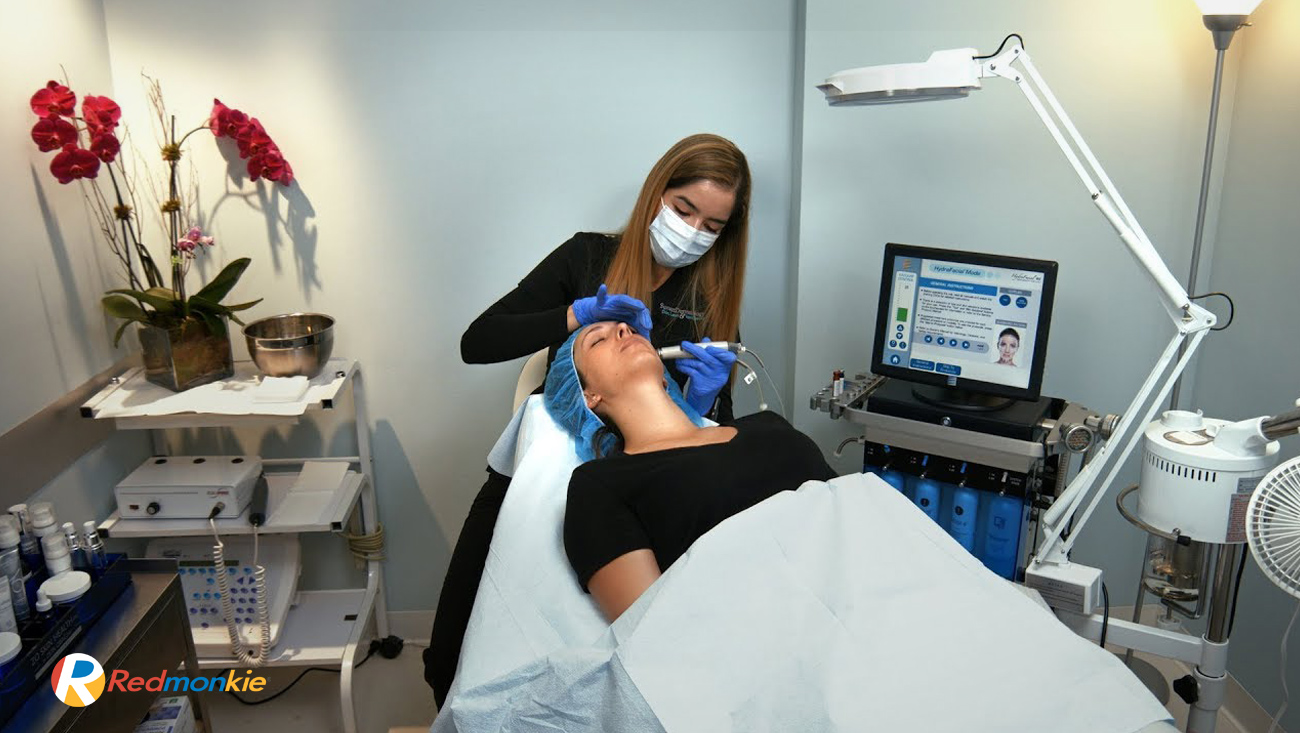 Diana Amaral, LE explains the steps involved in the HydraFacial treatment and its proven benefits.